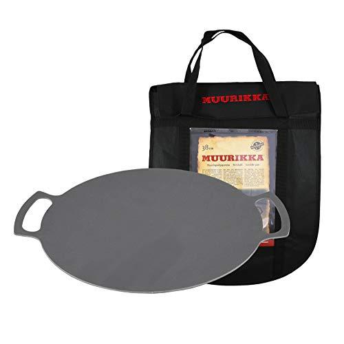 MUURIKKA Grillpfanne 58cm inkl. Schutztasche, Outdoor-Pfanne massiv aus Stahl für Lagerfeuer & Grill