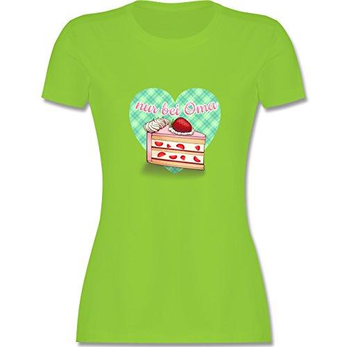 Oma - Nur bei Oma - Kuchen - tailliertes Premium T-Shirt mit Rundhalsausschnitt für Damen Hellgrün