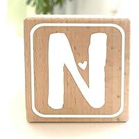 Holzwürfel mit Buchstabe N