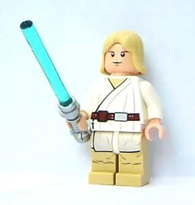 lego star wars minifigur luke skywalker tatooine mit weissen pupillen laserschwert amazon. Black Bedroom Furniture Sets. Home Design Ideas
