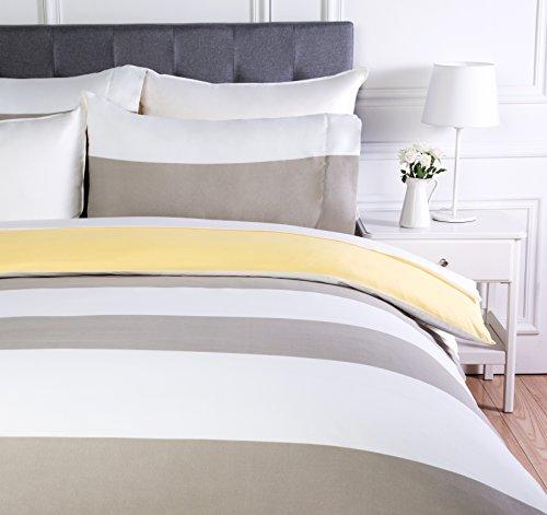AmazonBasics - Juego de ropa de cama con funda de edredón, de microfibra, 260 x 220 cm, Gris raya reversible (Reversible Grey Stripe)