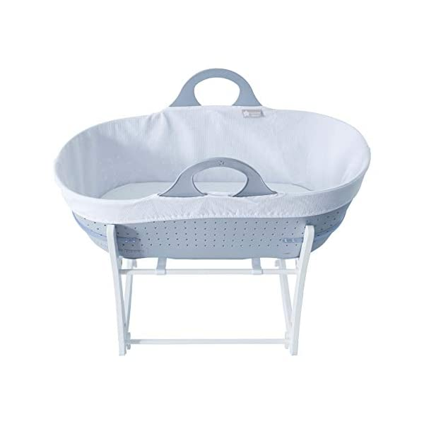 Tommee Tippee Sleepee Baby Moses Basket and Rocking Stand Grey Tommee Tippee Safe, modern, portable baby moses basket, perfect to keep your newborn baby nearby as they sleep, day or night. your sleepee moses basket comes with complete with mattress, liner and rocking stand. Choose static or rocking position, the curved base on the stand allows you to gently rock your baby to sleep and features adjustable safety stops to give you the option of rocking or keeping it still. Easy to clean, the sleepee moses basket can be cleaned with warm soapy water. the water-resistant mattress cover is wipe clean and machine washable. the 100 % cotton liner is machine washable. 2