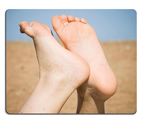 Liili mouse pad in gomma naturale Mousepad Barefoot Legs of Kid who is Lying on the beach in sunlight Image ID