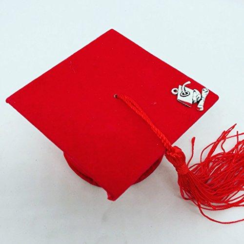 Tocco cappello bomboniere laurea portaconfetti velluto rosso con un pendente applicato sul tocco in materiale zama