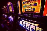Alu-Dibond-Bild 140 x 90 cm: 'Spielautomat im Casino', Bild auf Alu-Dibond