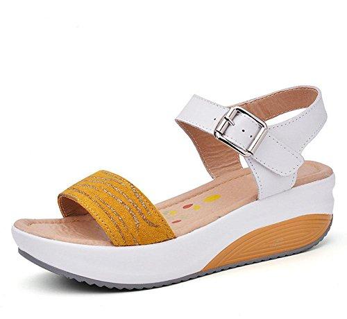 Frau mit schwerer Boden Sandalen Wort cingulären offene Schuhe wilde Oberbekleidung Freizeitschuh Strand Yellow