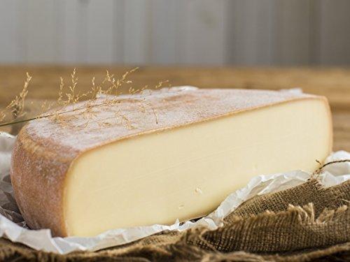 Preisvergleich Produktbild RACLETTE - AKTION: Schweizer Raclettekäse 'RACLETTE SWISS' als 1 / 2 (halber) Käse Laib 2400g - VAKUUMVERPACKT - Laktosefrei - Vegetarisches Lab - Aus bester Sommermilch