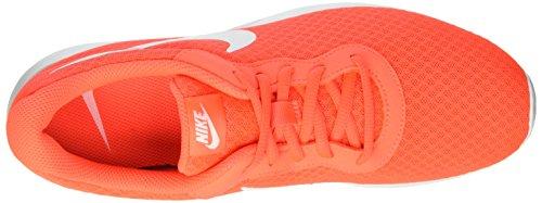 Nike Tanjun, Chaussures de Sport Homme Orange (Total Crimson/White)