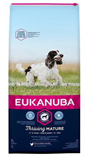 Eukanuba Mature Trockenfutter für mittelgroße Rassen mit neuer, verbesserter Rezeptur - Hundefutter für reife Hunde im Alter von 7-10 Jahren mit dem Geschmack Huhn - 1 x 15kg Beutel