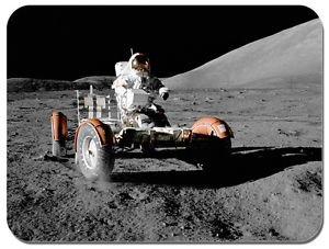 Preisvergleich Produktbild Mauspad mit Motiv: Fahren auf dem Mond. NASA Apollo 17LRV Rover Mauspad. Mondlandung.