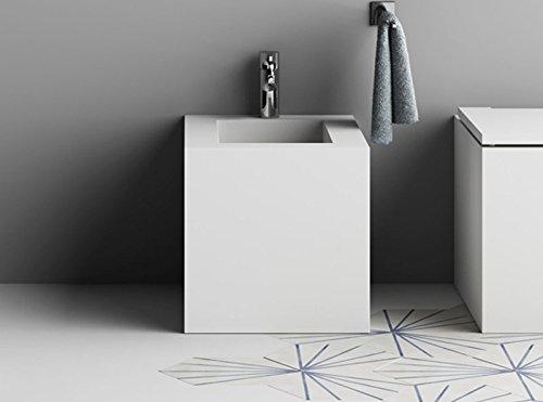 Planit floor toilets and bidet Block free standing bidet in corian BLOCK6