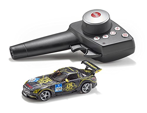 Preisvergleich Produktbild Siku 6823 - Mercedes-Benz SLS AMG GT3 125 Jahre Dunlop Set mit Fernsteuermodul, Ladegerät und Akku