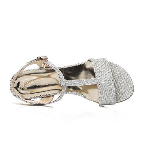AllhqFashion Damen Offener Zehe Niedriger Absatz Rein Weiches Material Schnalle Sandalen Silber