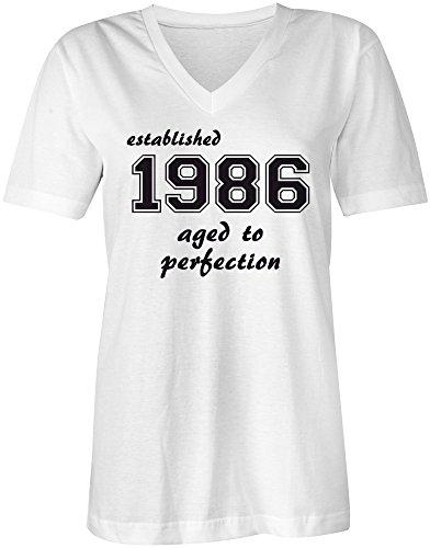 Established 1986 aged to perfection �?V-Neck T-Shirt Frauen-Damen �?hochwertig bedruckt mit lustigem Spruch �?Die perfekte Geschenk-Idee (02) weiss