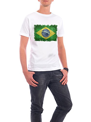 "Design T-Shirt Männer Continental Cotton ""Flag of Brazil"" - stylisches Shirt Reise Sport / Fußball von Bruce Stanfield Weiß"