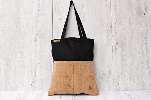 Tote Bag aus Baumwolle in SCHWARZ mit 2 Außentaschen aus Kork-Leder in SAND. -