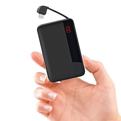 ElephantStory Powerbank mit Kabel 8000 mAh, Tragbares Ladegerät mit Integriertem Kabel und Konverter für iPhone oder Android, mit Digitaler LED-Anzeige und Doppeltem USB-Ausgang 2.1A