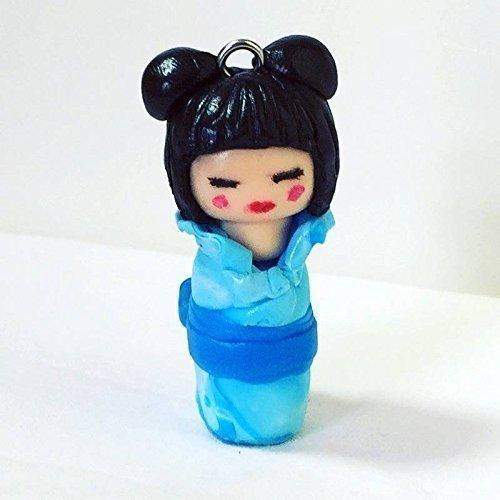 sur-commande-pendentif-breloque-miniature-kokeshi-en-fimo-fait-main-kimono-bleu-avec-dragonne
