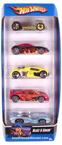 Hot Wheels 5 Car Gift Pack - Blast and Crash by Hot Wheels