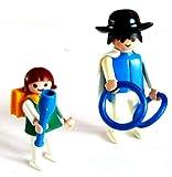playmobil ® - Vater mit Tocher wollen zum Zirkus und üben schon mal