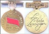 Parteitagsinitiative der FDJ, Material Bronze, goldfarben, Spange lackiert mit Polyesterüberzug, ausgegeben 1976 (DDR Orden-Abzeichen Nr. 2492)
