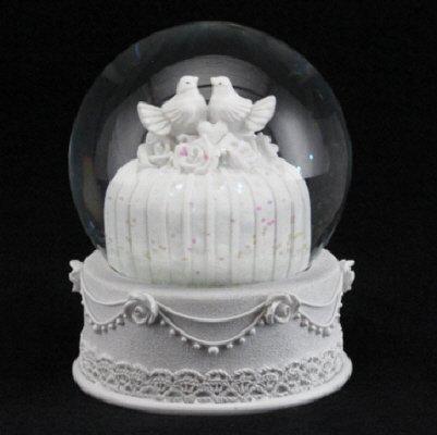 Gisela Graham Tischdekoration, Hochzeitstorte, weiß, mit Tauben, Schneekugel, Tischdeko (Snow Bridal White)