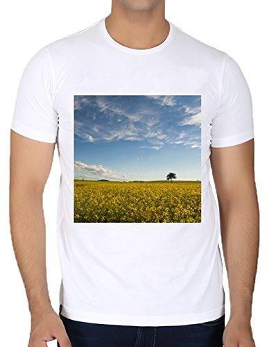 camiseta-blanca-con-cuello-redondo-para-los-hombres-tamano-s-campo-de-colza-by-utart
