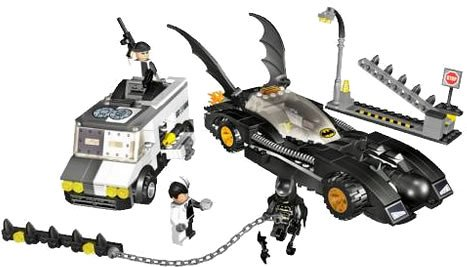 Lego-Batman-7781-The-Batmobile-Two-Faces-Escape