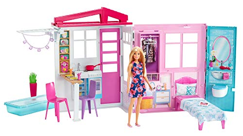 Barbie FXG54 - Ferienhaus mit Puppe, Möbeln und Pool, portables Puppenhaus ca. 46 cm hoch mit Tragegriff, Puppenzubehör Spielzeug ab 3 Jahren