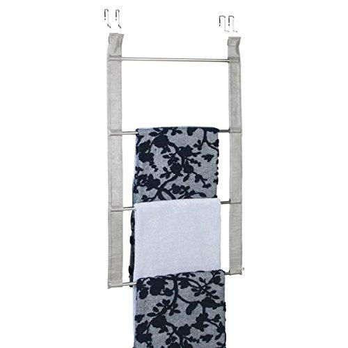 mDesign Toallero sin taladro – Práctico toallero de puerta de gran capacidad con 4 barras para toallas y ropa – Secatoallas de acero inoxidable y piel sintética – Color: Plateado / gris