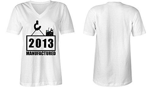 Manufactured 2013 - V-Neck T-Shirt Frauen-Damen - hochwertig bedruckt mit lustigem Spruch - Die perfekte Geschenk-Idee (02) weiss