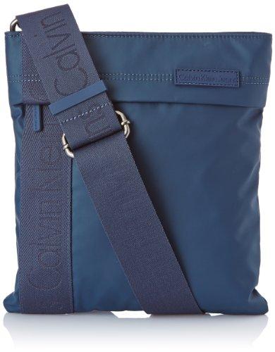 Calvin Klein Jeans Umhängetasche Urban Flat Crossover Blau (Dress Blue) J5EJ500169 Preisvergleich