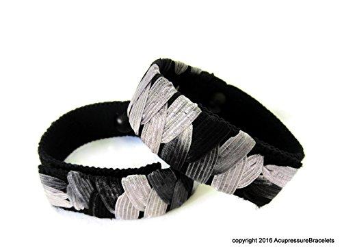Akupressur gegen Übelkeit Armbänder (Paar) Schwarz und Weiß (mittlere/durchschnittliche Erwachsene) -