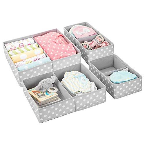 mDesign Juego de 4 cajas para guardar ropa – Cuatro organizadores de armarios con dos divisiones para ropero o cajones – Cajas de tela sintética de lunares en dos tamaños – gris claro/blanco