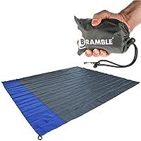 BRAMBLE! Manta portátil Impermeable para Picnic Cabe en tu Bolsillo – Incluye Bolsa para Viajar - Azul.