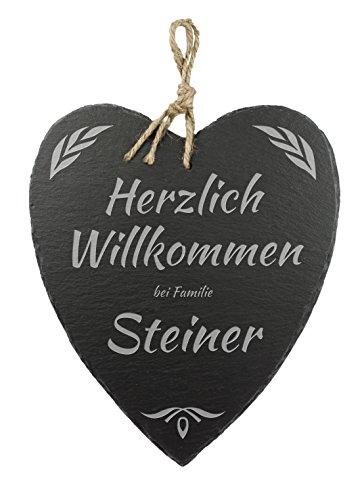 Casa Vivente Schieferherz mit Gravur – Willkommen Bei Familie – Personalisiert mit Namen – Schöne Wanddeko als Geschenk Zum Einzug – Geschenkideen zur Hochzeit – mit Jute-Band Zum Aufhängen