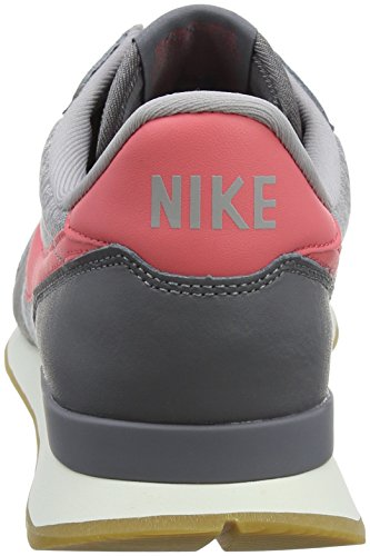 Nike Internationalist, Chaussures De Sport Basses Pour Femmes Gris (gunsmoke / Sea Coral-atmosphere Grey-sail 020)
