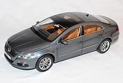 Paudi Volkwagen Passat CC Limousine Coupe Grau 2008-2012 1/18 Modell Auto