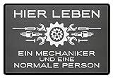 shirt-o-magic Mechaniker: .und eine normale Person - Fußmatte -60x40cm-Mausgrau