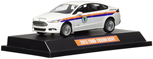 greenlight-collectibles-2013-ford-fusion-the-city-of-new-york-department-of-sanitation-143-scale-by-