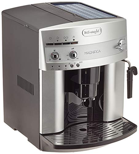 De'Longhi Magnifica ESAM 3200 S Kaffeevollautomat (Bedienfeld mit Direktwahltasten, Milchaufschäumdüse, Kegelmahlwerk 13 Stufen, Herausnehmbare Brühgruppe, 2-Tassen-Funktion) silber