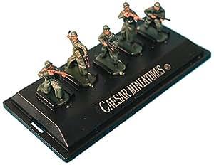 Figurines 2ème Guerre Mondiale : Soldats allemands en manteau: 5 figurines sur socle