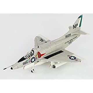 A4C Skyhawk (US Navy, MIG-17 Killer, BuNo 148609, VA-76, USS Bon Homme Richard, 1st May, 1967) (Hobbymaster HA1427)