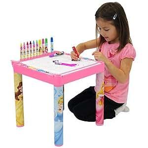 Disney Princess – Table de Coloriage Princesses Disney et 10 Mètres de Dessin à Colorier (Import UK)
