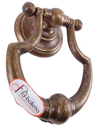 Brünierter Messingklopfer,Klopfer für Türen und Tore oder Batocchio btm4.Abmessungen:H Klopfer gesamt 16,5cm,Breite11cm,Abstand zwischen den beiden Stiften11cm,ØStift 8mm,Länge 5,5cm