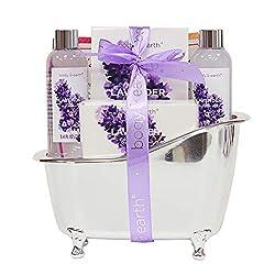 Bad Geschenkset für Frauen - Body & Earth 4 Teiliges Bade und Dusch Set Lavendel Duftenden mit Duschgel, Schaumbad, Badeseife und Badesalz, Beste Geschenk für Sie