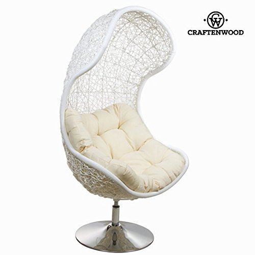 Chaise en rotin blanche by Craften Wood