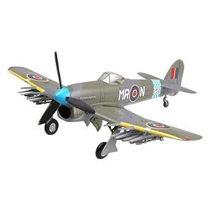 Trumpeter Easy Model 36311 Typhoon MK. IB  SW409 escuadrón 245 Schieswing 1945 - Avión Miniatura Importado de Alemania