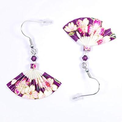 Boucles d'oreilles éventails origami fleurs roses sur fond violet - crochets inox