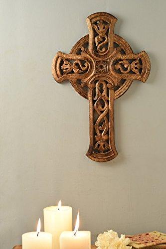 Dekorative handgefertigte holzerne Kruzifixe Hand geschnitzte Entwurf Wand Kreuz fur Wand hangende religiose Home Decor Zubehor (Braun2)